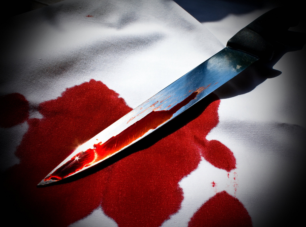 knife blood photo
