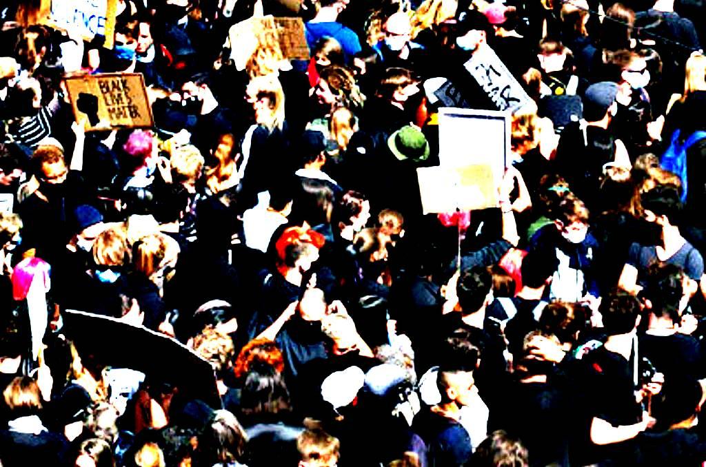 antirassismus demo berlin photo